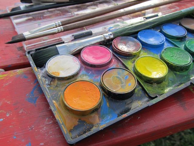paint-562405_640