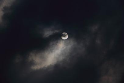 moon-1749422_960_720